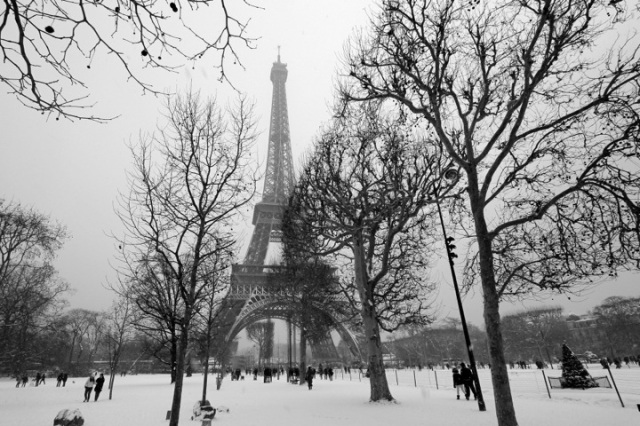 winter-in-paris-snow-niall62
